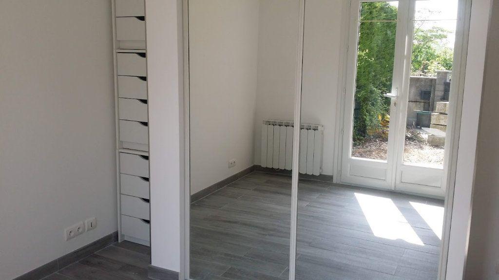 Maison à louer 4 136m2 à Courpalay vignette-6