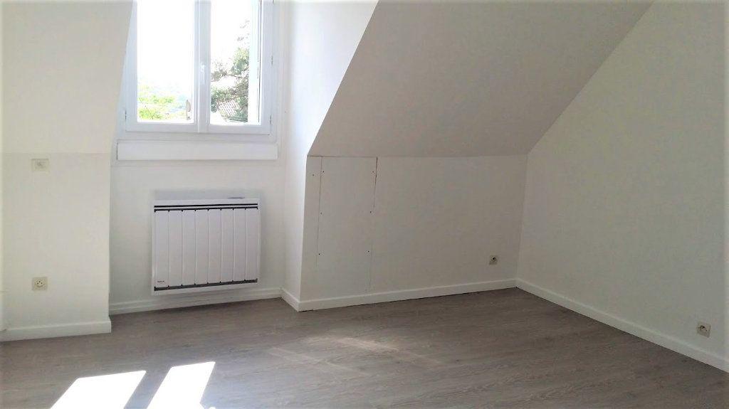 Maison à louer 4 136m2 à Courpalay vignette-9