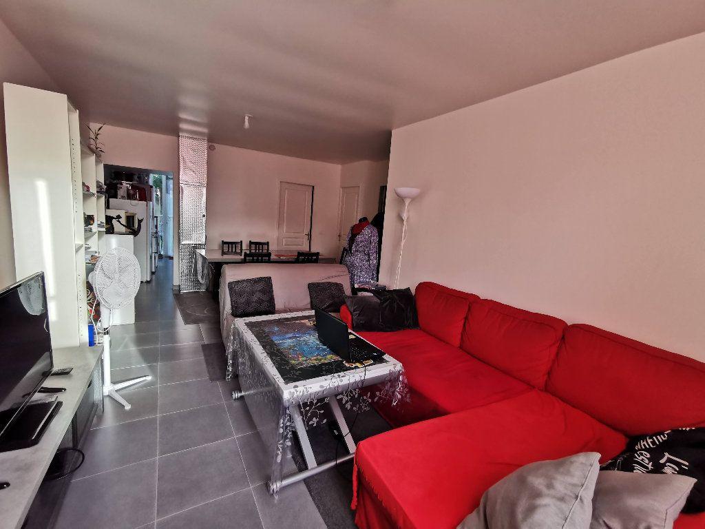 Appartement à louer 3 60m2 à Rozay-en-Brie vignette-1