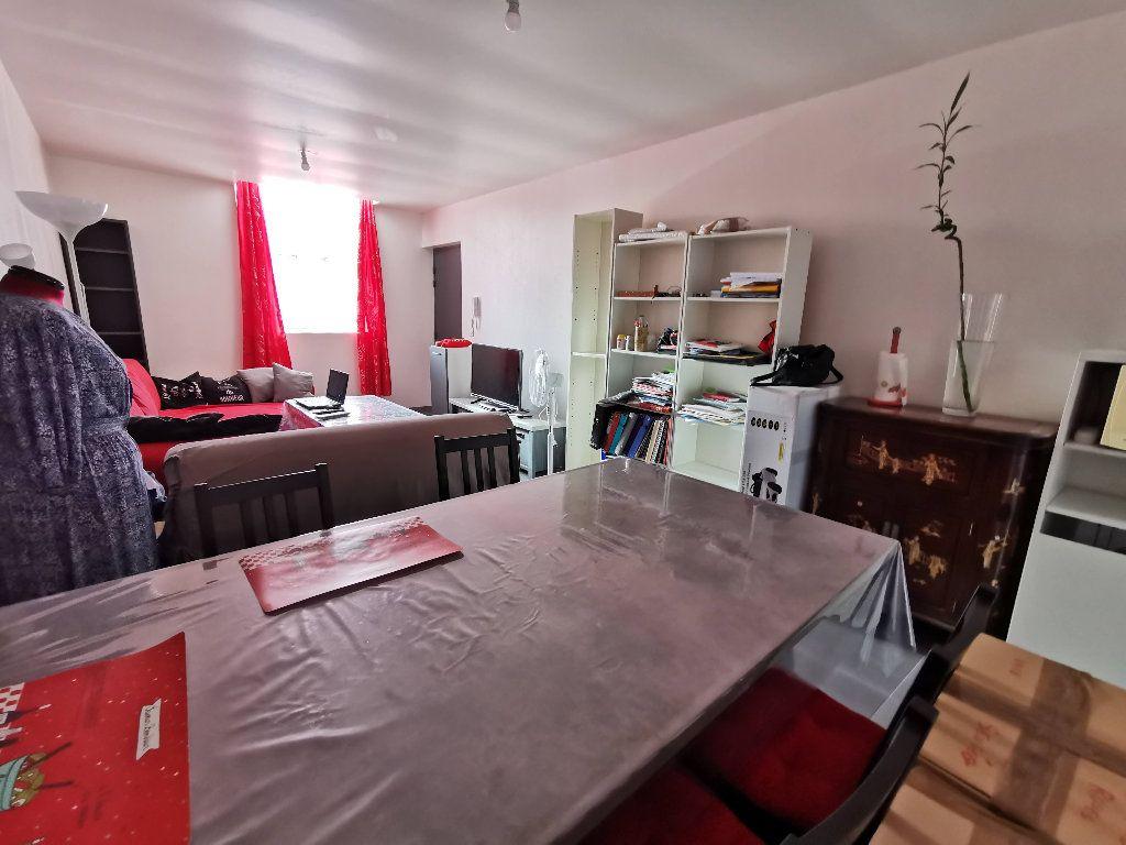 Appartement à louer 3 60m2 à Rozay-en-Brie vignette-2