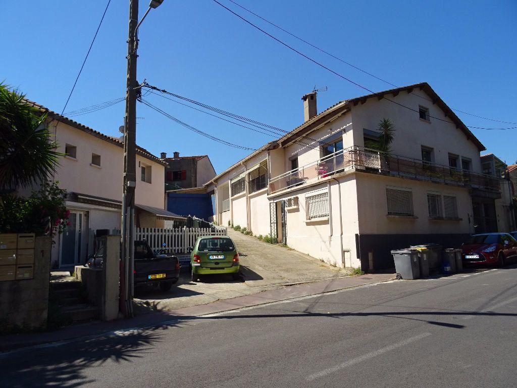 Appartement à louer 2 80m2 à Montpellier vignette-1