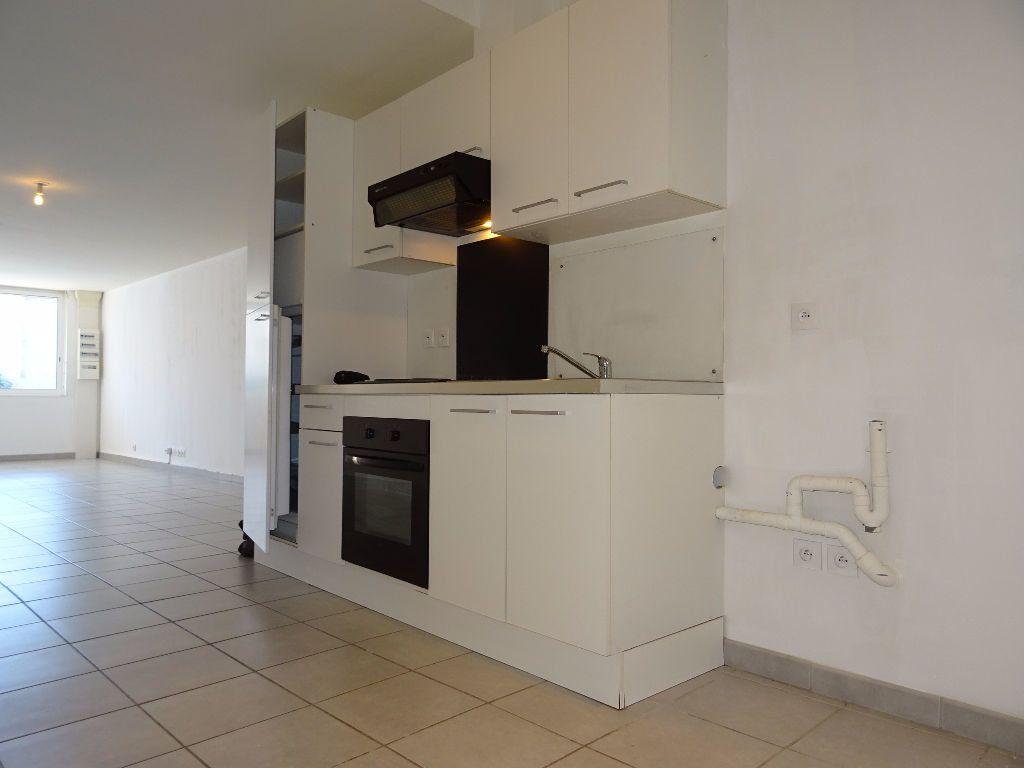 Appartement à louer 2 80m2 à Montpellier vignette-2