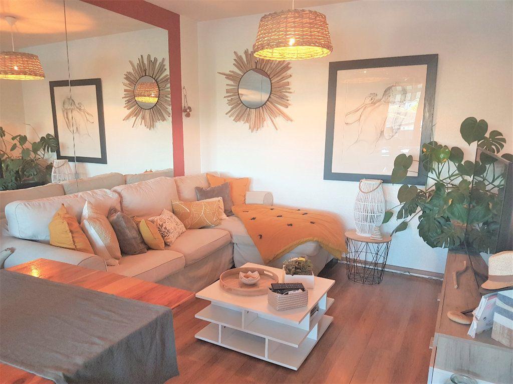 Appartement à vendre 3 62.03m2 à Villeneuve-lès-Maguelone vignette-3