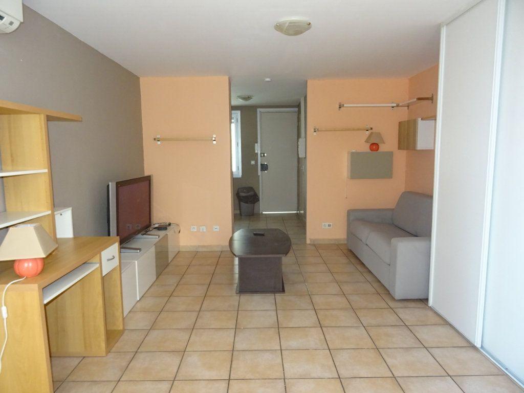 Appartement à louer 1 29m2 à Palavas-les-Flots vignette-4