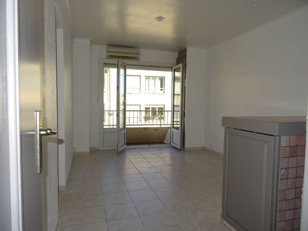 Appartement à louer 3 45m2 à Palavas-les-Flots vignette-2