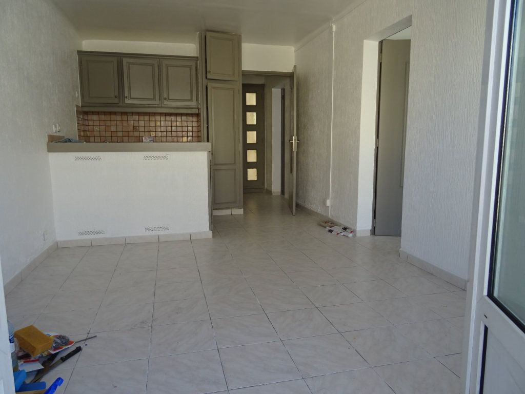 Appartement à louer 3 45m2 à Palavas-les-Flots vignette-3