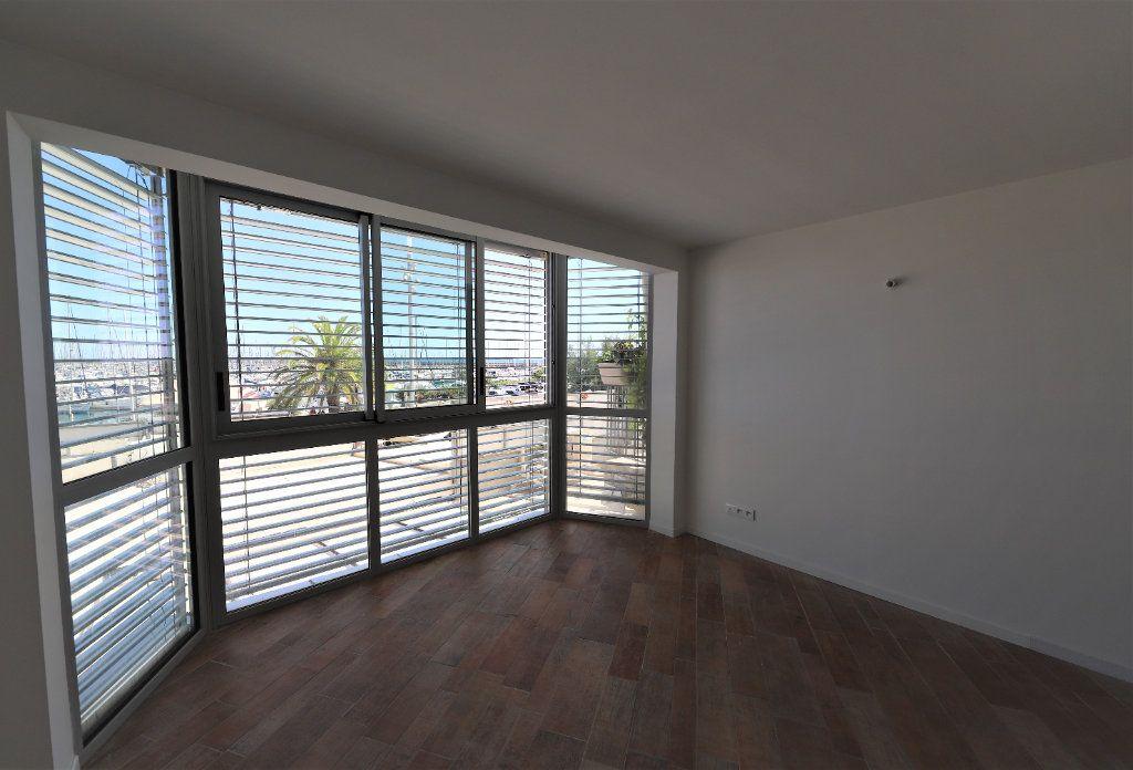 Appartement à louer 3 93m2 à Palavas-les-Flots vignette-4