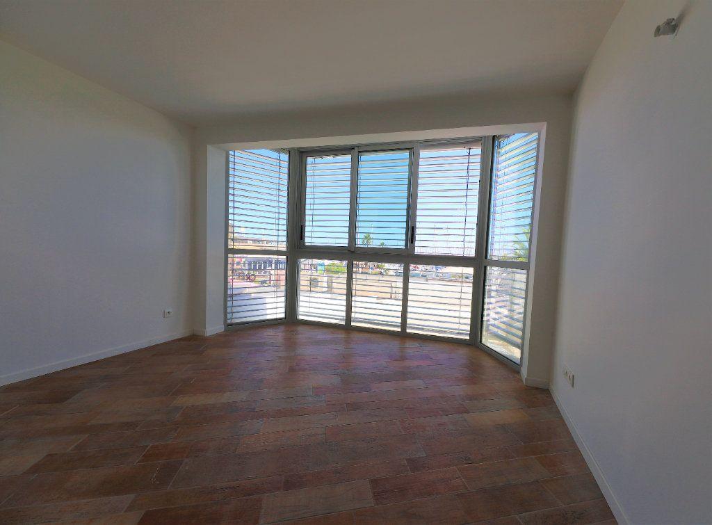 Appartement à louer 3 93m2 à Palavas-les-Flots vignette-5