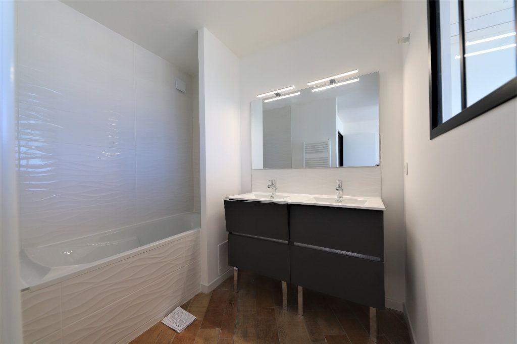 Appartement à louer 3 93m2 à Palavas-les-Flots vignette-13