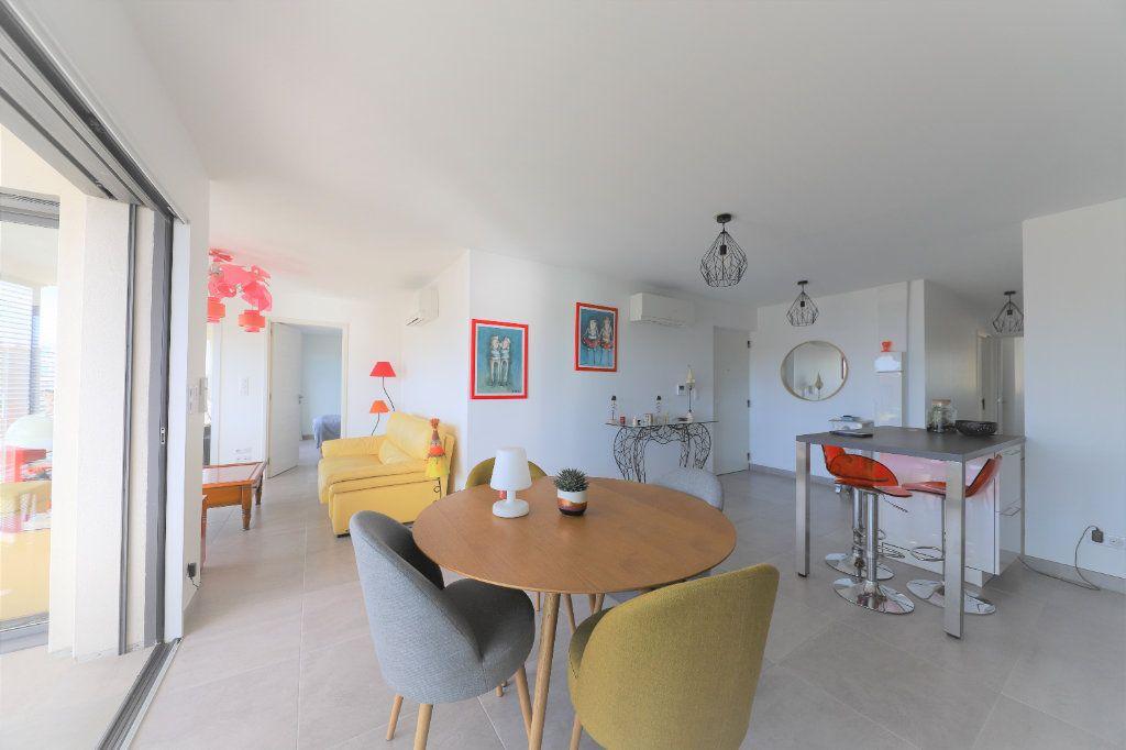 Appartement à vendre 4 81.3m2 à Palavas-les-Flots vignette-2