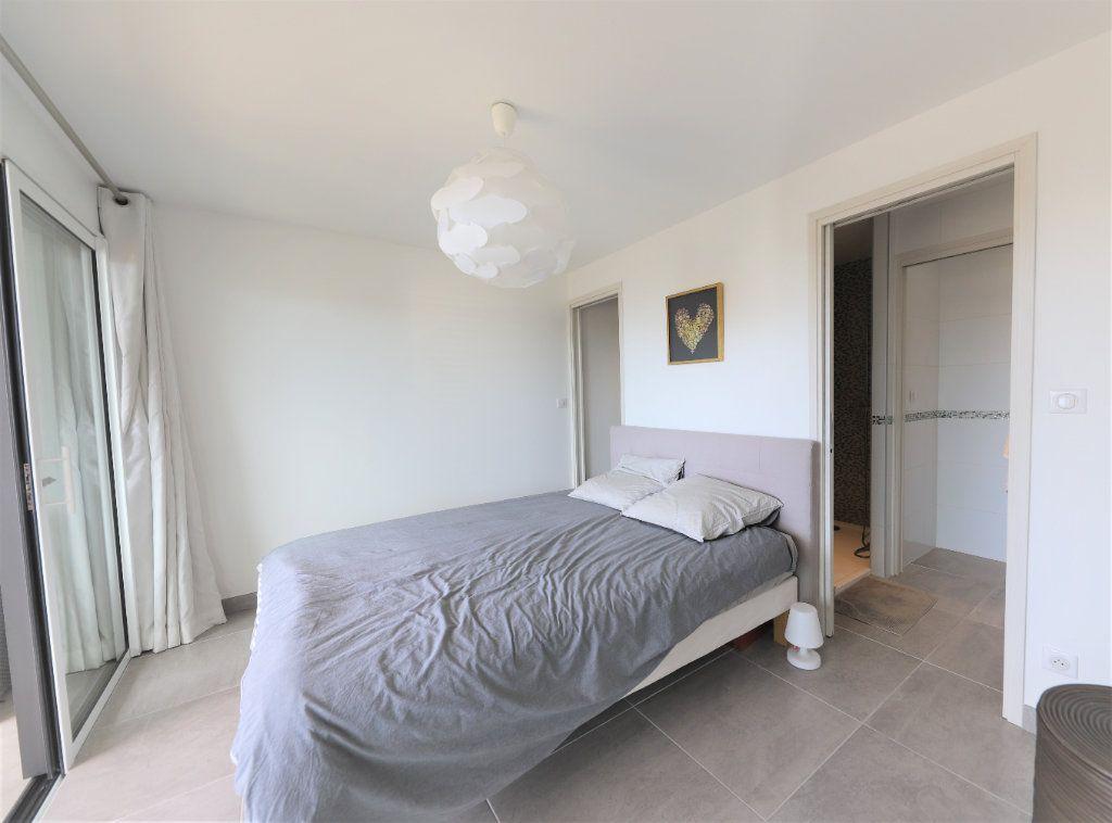 Appartement à vendre 4 81.3m2 à Palavas-les-Flots vignette-4