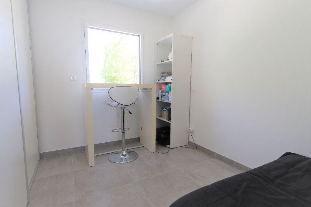 Appartement à vendre 4 81.3m2 à Palavas-les-Flots vignette-9