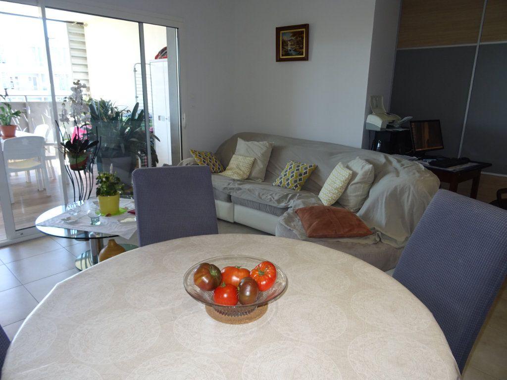 Appartement à louer 3 57m2 à Palavas-les-Flots vignette-4