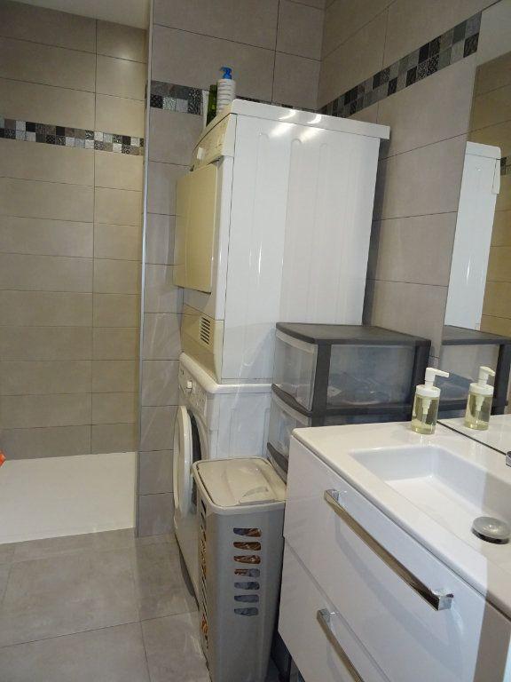 Appartement à louer 3 57m2 à Palavas-les-Flots vignette-9