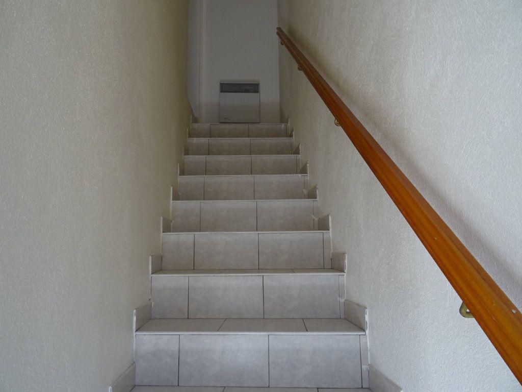 Appartement à louer 2 40m2 à Villeneuve-lès-Maguelone vignette-4