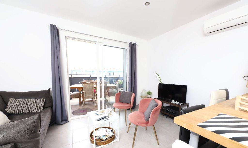 Appartement à louer 3 54m2 à Palavas-les-Flots vignette-2