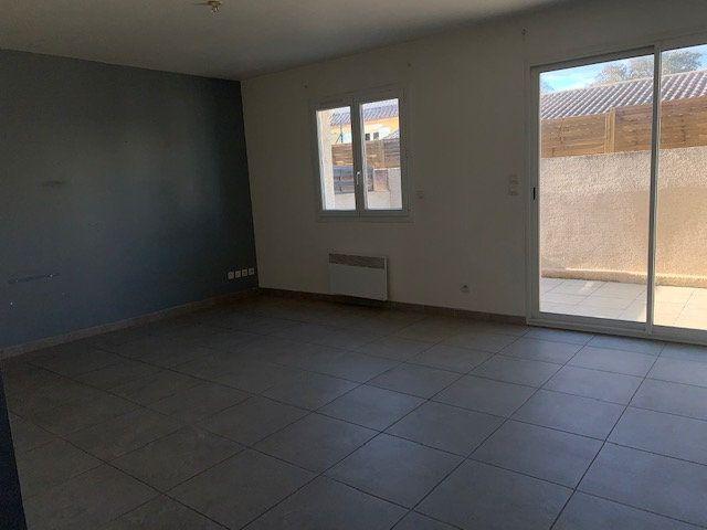Maison à louer 4 80m2 à Gigean vignette-2