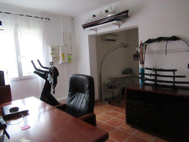 Maison à vendre 7 160m2 à Gigean vignette-7