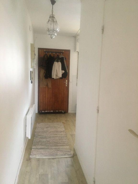 Appartement à louer 1 31m2 à Dax vignette-4