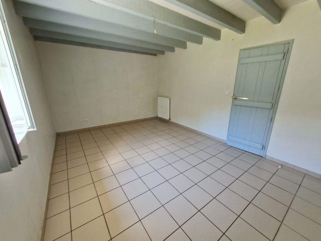 Maison à louer 4 96m2 à Roquefort vignette-5