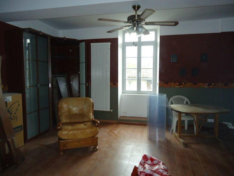 Maison à vendre 10 365m2 à Roquefort vignette-2