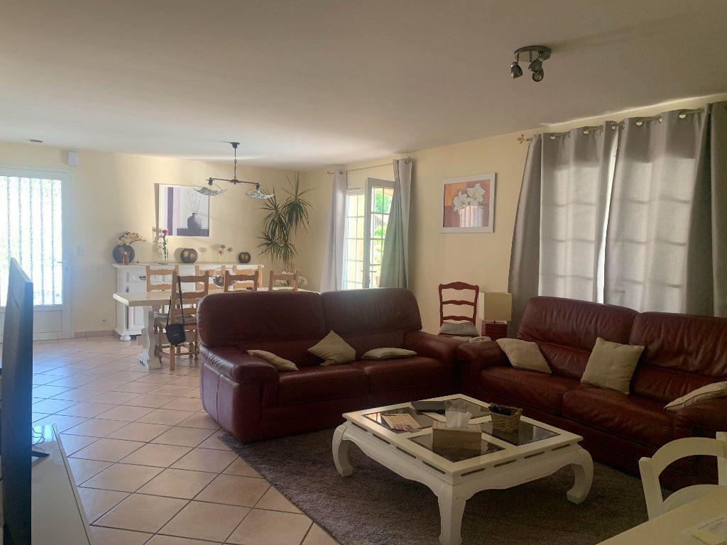 Maison à vendre 6 117m2 à Roquefort vignette-3