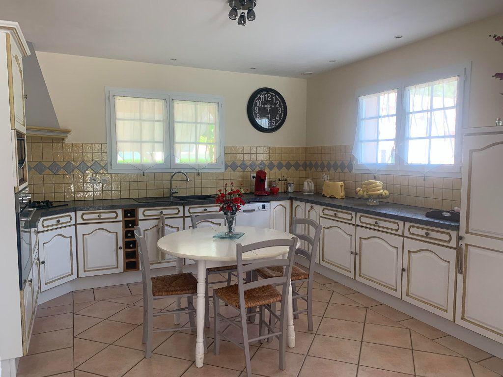 Maison à vendre 6 117m2 à Roquefort vignette-4