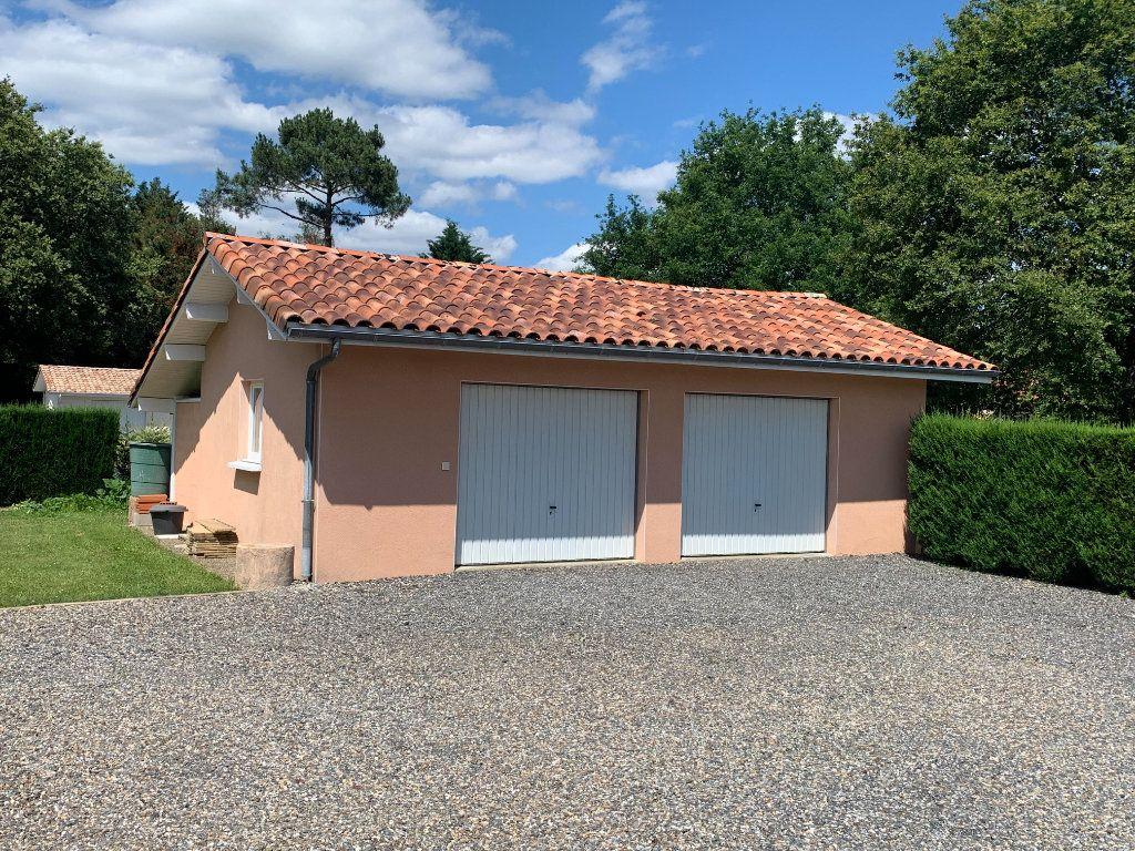 Maison à vendre 6 117m2 à Roquefort vignette-8
