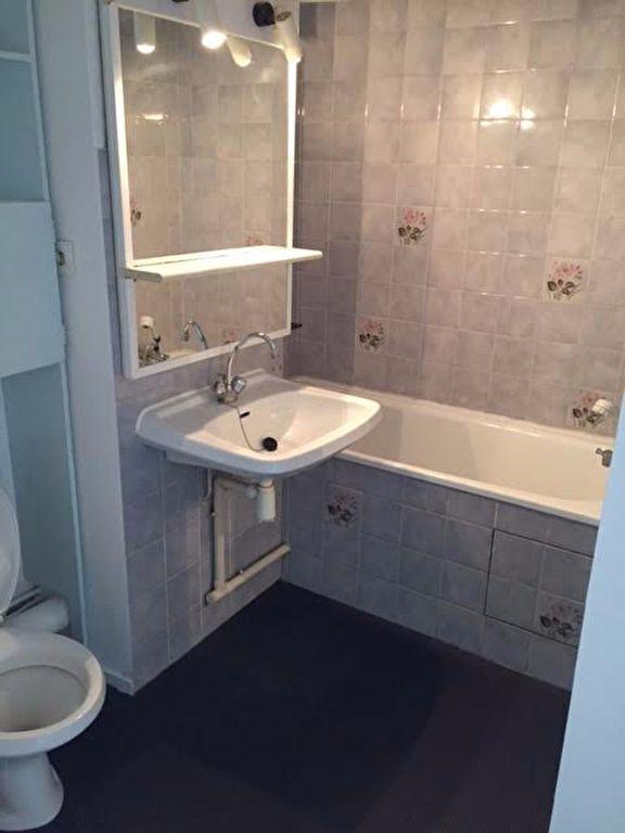 Appartement à louer 1 37m2 à Mont-de-Marsan vignette-4