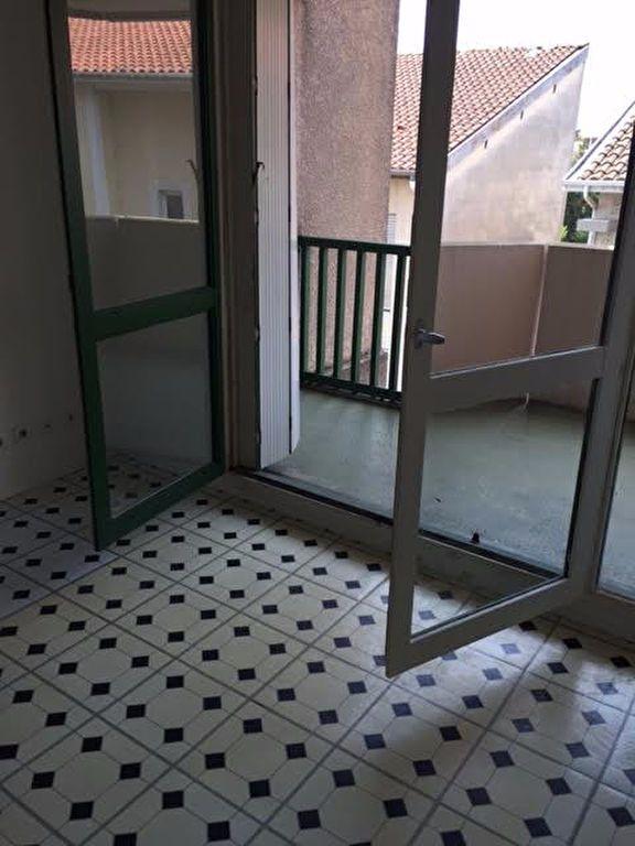 Appartement à louer 1 37m2 à Mont-de-Marsan vignette-5