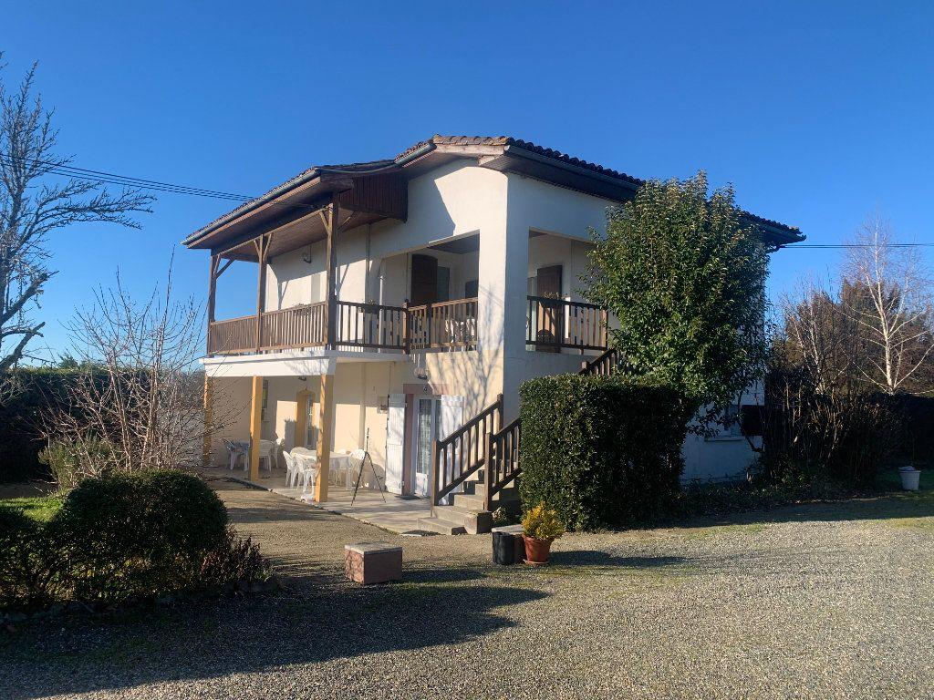 Maison à vendre 25 450m2 à Cazaubon vignette-4