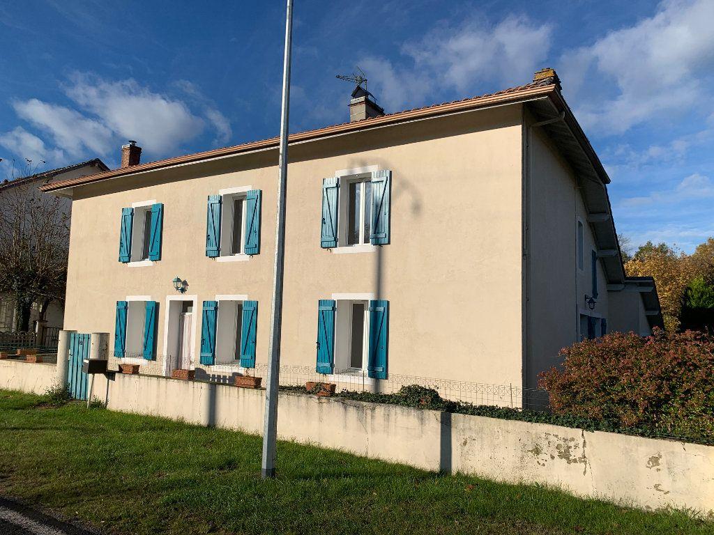 Maison à vendre 7 211m2 à Lucbardez-et-Bargues vignette-1