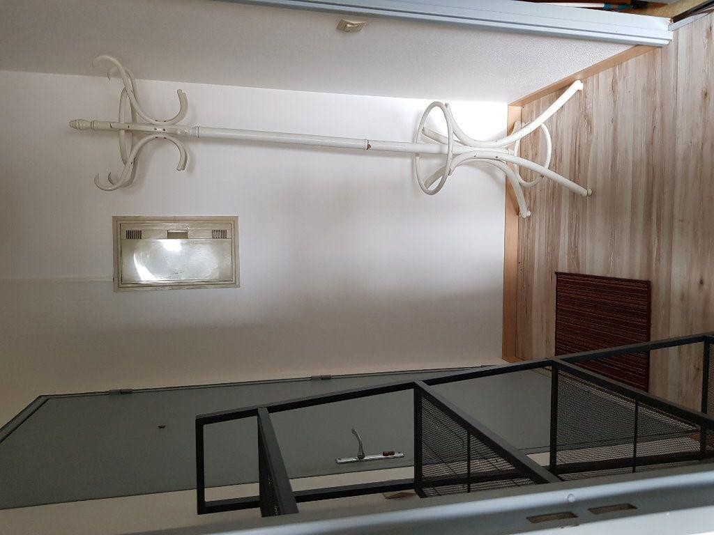 Appartement à louer 1 30m2 à Mont-de-Marsan vignette-5