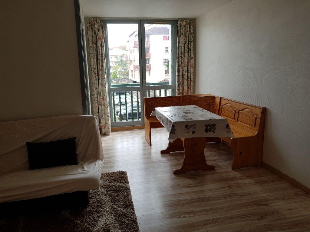 Appartement à louer 1 30m2 à Mont-de-Marsan vignette-7