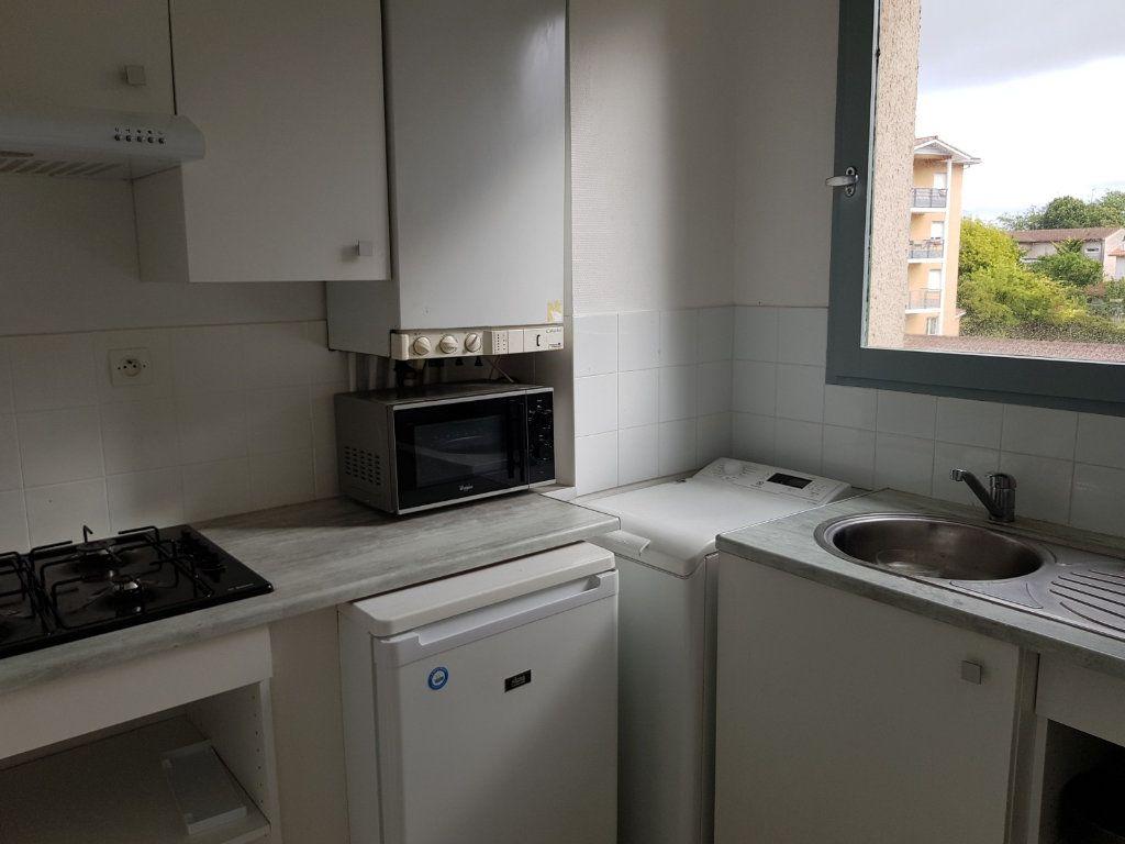 Appartement à louer 1 30m2 à Mont-de-Marsan vignette-8