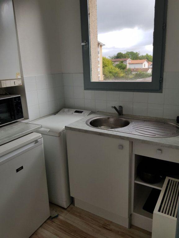 Appartement à louer 1 30m2 à Mont-de-Marsan vignette-9