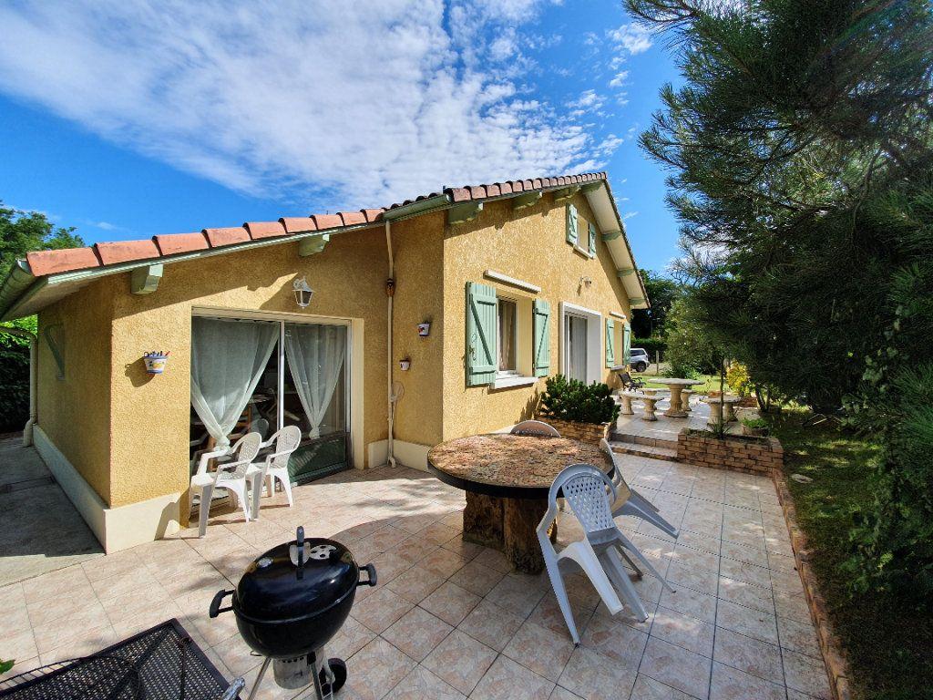 Maison à vendre 4 100m2 à Roquefort vignette-1