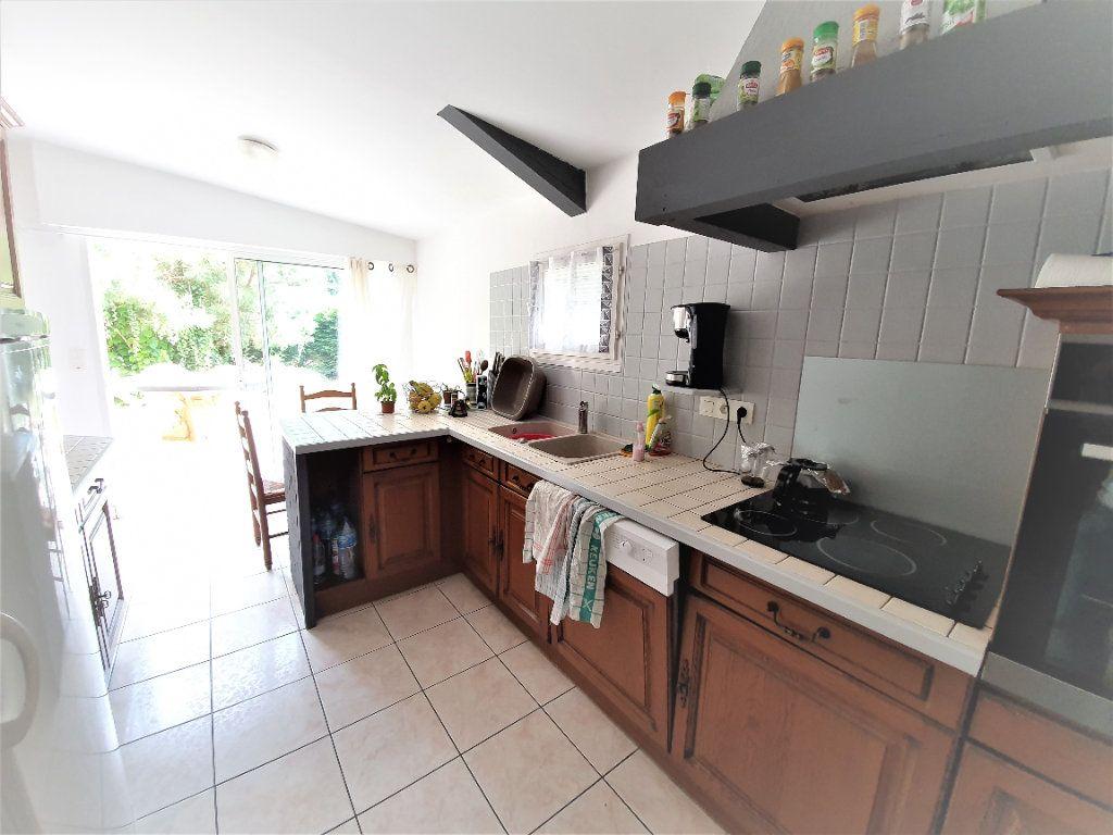 Maison à vendre 4 100m2 à Roquefort vignette-3