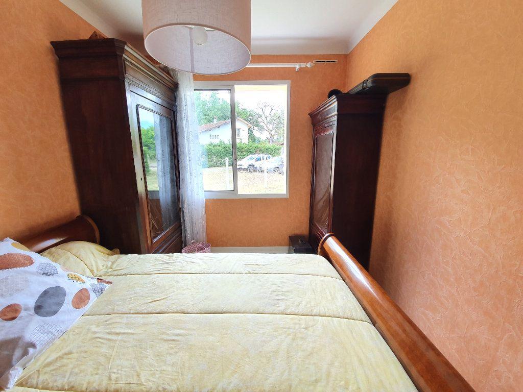Maison à vendre 4 100m2 à Roquefort vignette-5