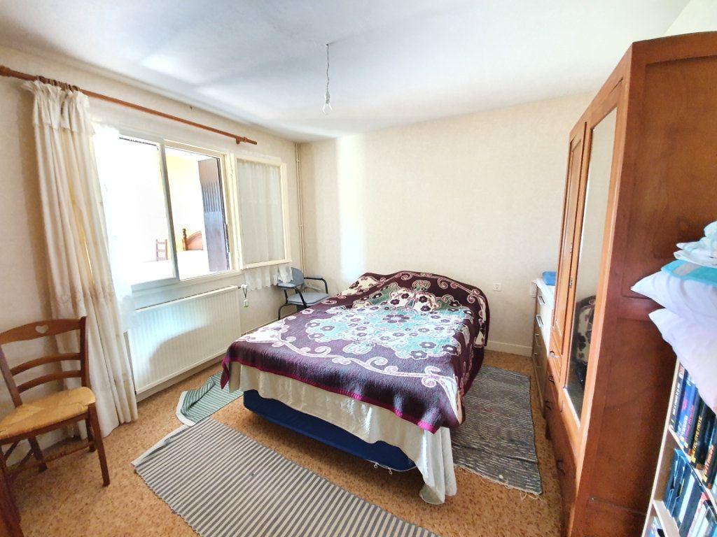 Maison à vendre 5 142m2 à Castelnau-d'Auzan vignette-4