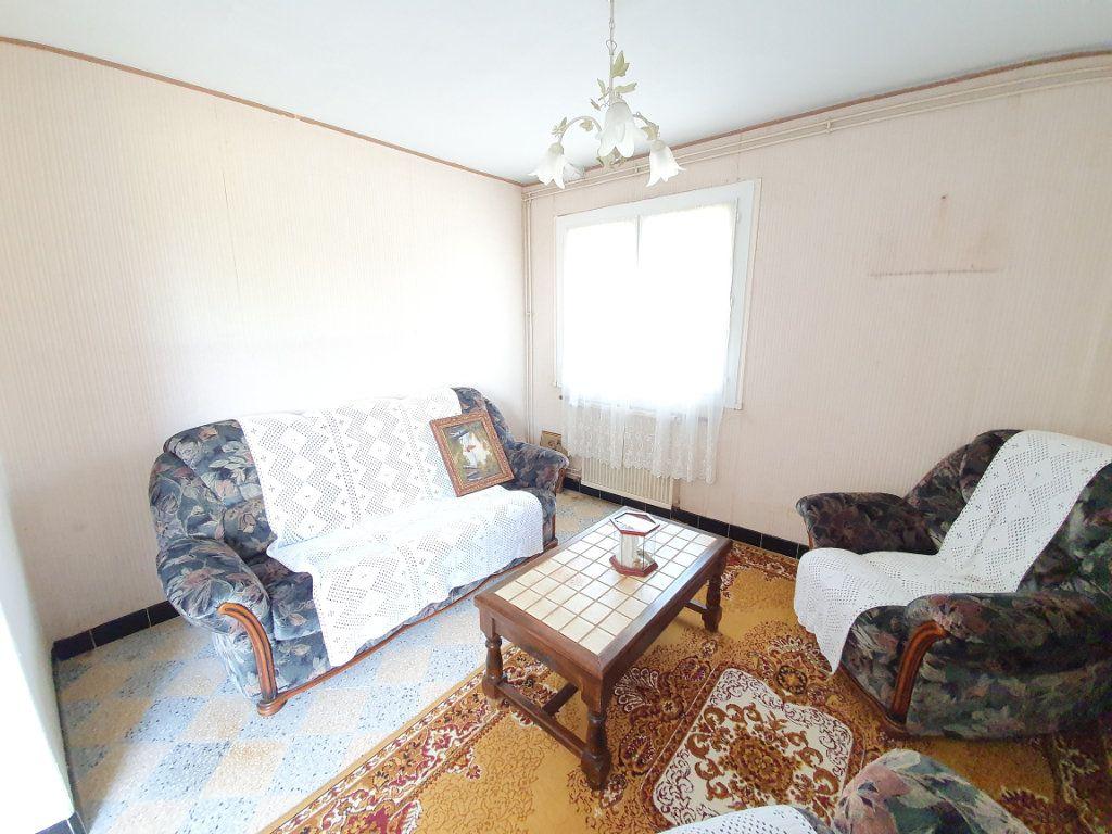 Maison à vendre 5 142m2 à Castelnau-d'Auzan vignette-7
