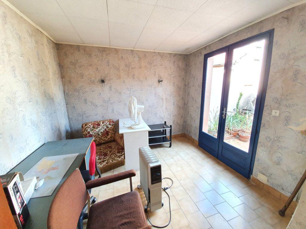 Maison à vendre 5 150m2 à Castelnau-d'Auzan vignette-6