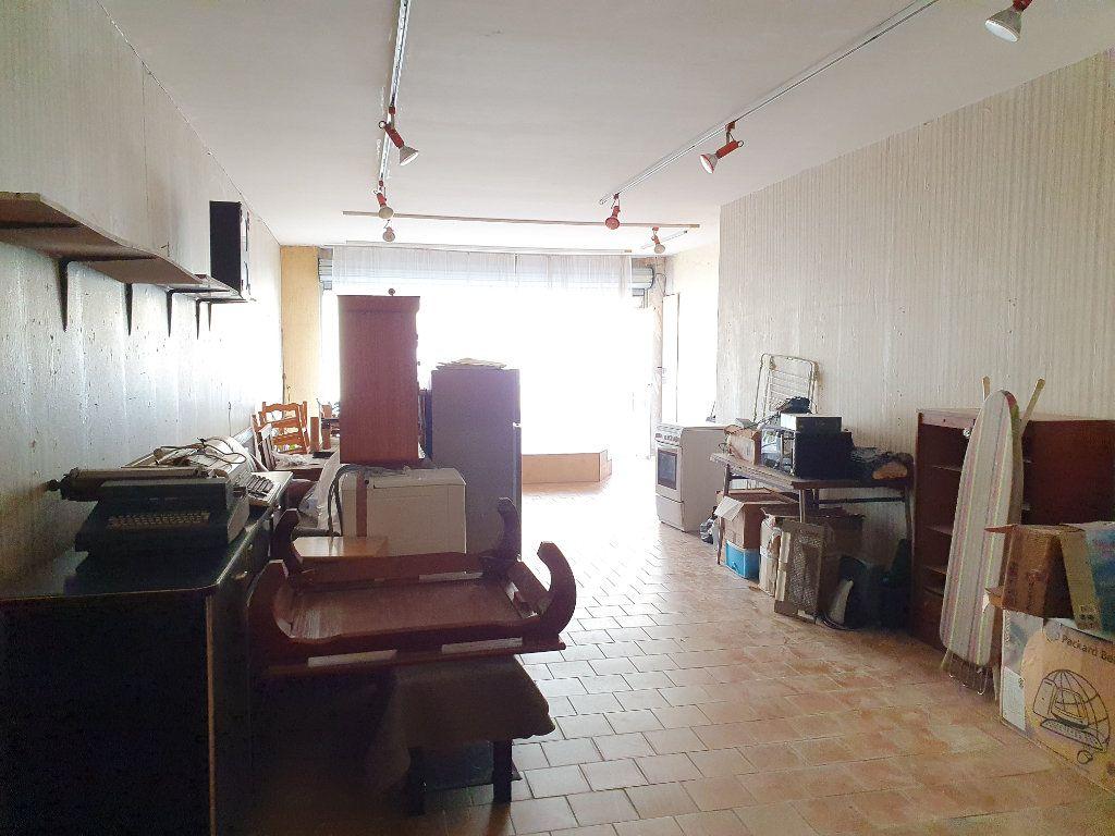 Maison à vendre 5 150m2 à Castelnau-d'Auzan vignette-7