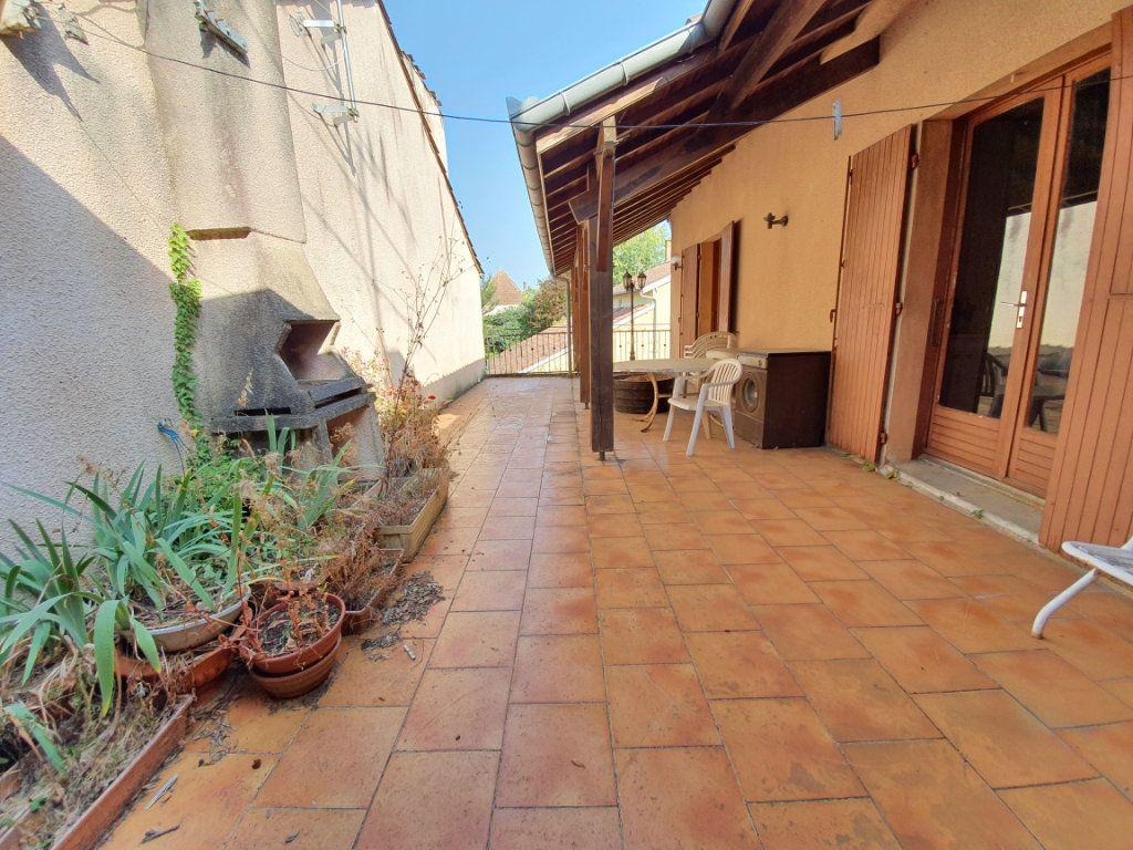 Maison à vendre 5 150m2 à Castelnau-d'Auzan vignette-8