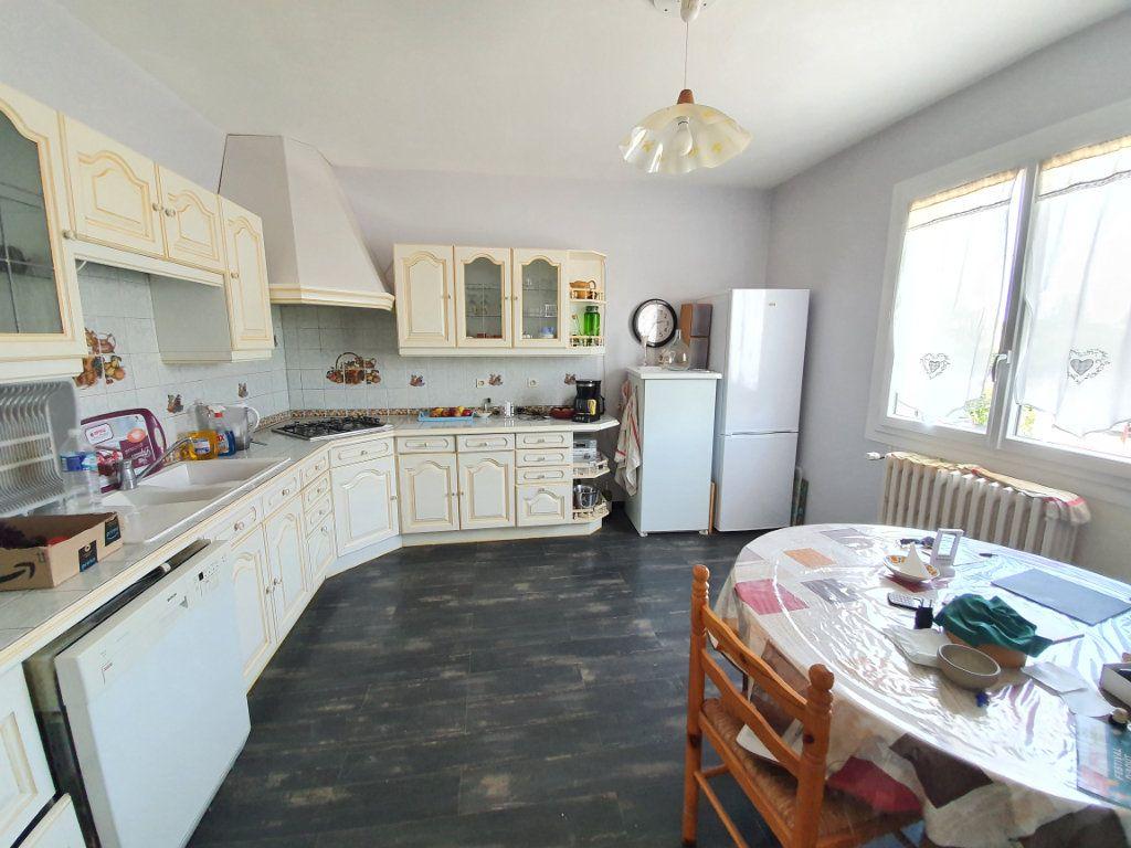 Maison à vendre 8 207m2 à Cazaubon vignette-6