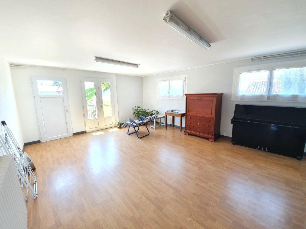 Maison à vendre 8 207m2 à Cazaubon vignette-8