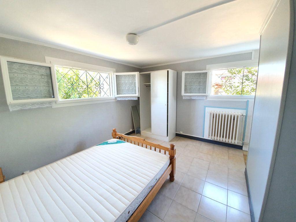 Maison à vendre 8 207m2 à Cazaubon vignette-9