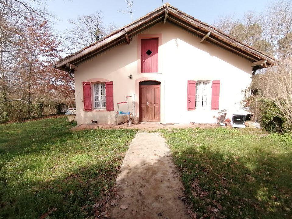 Maison à vendre 4 100m2 à Sainte-Foy vignette-1