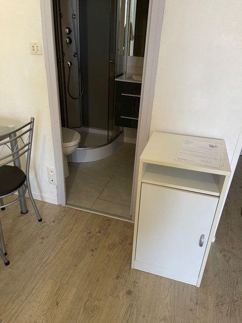 Appartement à louer 1 17m2 à Mont-de-Marsan vignette-2