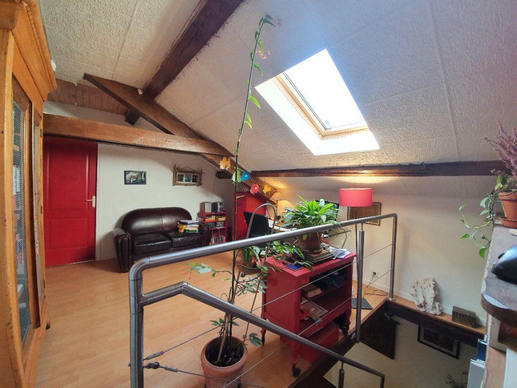 Maison à vendre 5 185m2 à Roquefort vignette-8